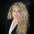 Elizabeth Owens Real Estate Agent at Re/max Elite