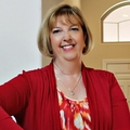 Jane Armstrong Real Estate Agent at Signature Real Estate Group
