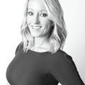 Ambria Luettjohann Real Estate Agent at RE/MAX Innovations