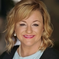 Suzanne Roberts Real Estate Agent at Re/Max Accent
