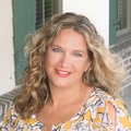 Lorie Sauer Real Estate Agent at Charter One Realty