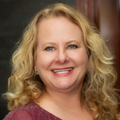 Tracy Smyser Real Estate Agent at Ruhl&Ruhl REALTORS Davenport