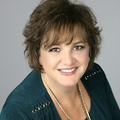 Julie Roberts Real Estate Agent at Coldwell Banker Select