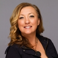 Julia Almstead Real Estate Agent at RE/MAX Unlimited